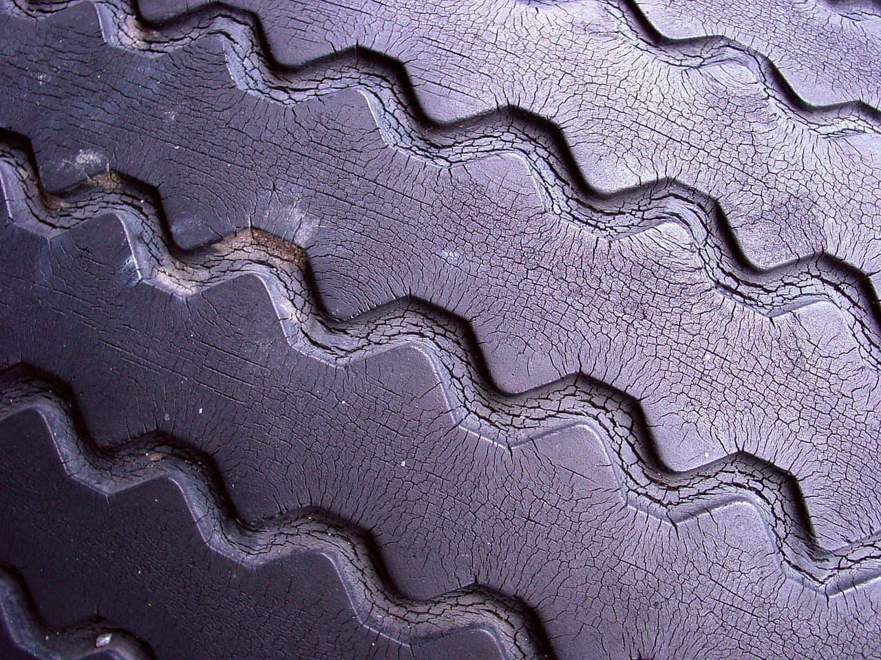 old tires industriagomma
