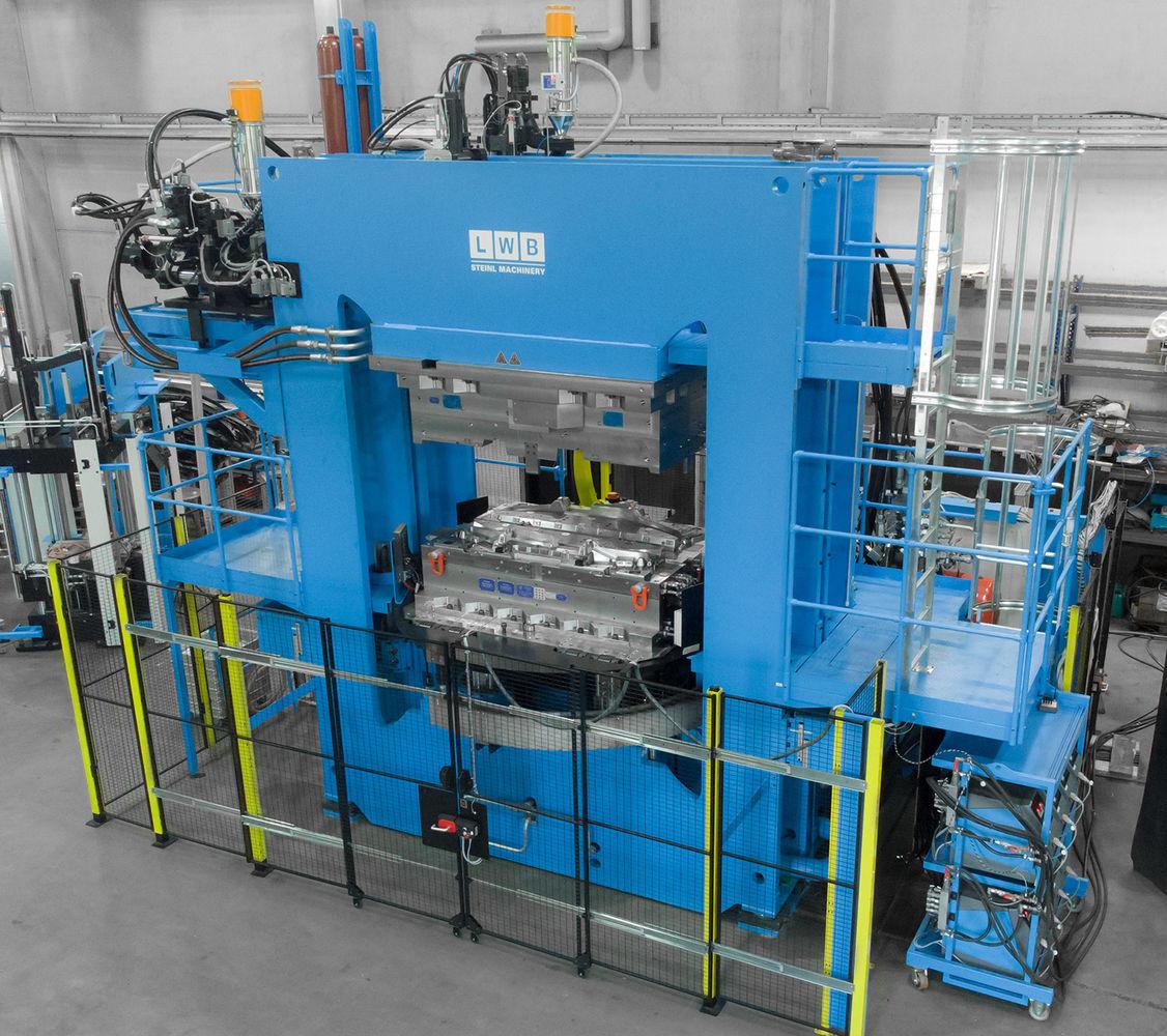 LWB Steinl Fakuma pressa termoplastici Industriagomma